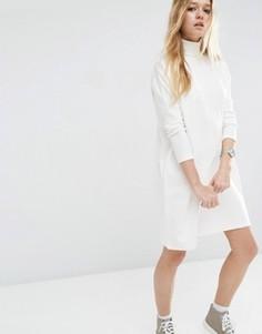 Платье с высоким воротом и отделкой в рубчик на рукавах ASOS - Белый