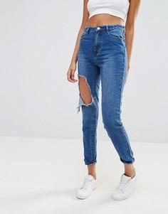 Джинсы в винтажном стиле с рваными коленями Missguided Riot - Синий