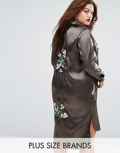 Атласное цельнокройное платье Boohoo Plus - Зеленый