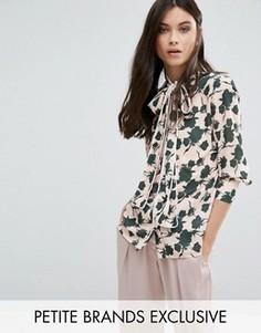 Блузка с воротником-бантом и цветочным принтом Alter Petite - Мульти
