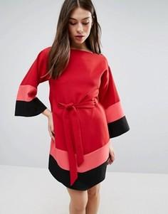 Платье с широкими рукавами и ремнем Hedonia - Красный