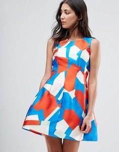 Короткое приталенное платье с геометрическим принтом Traffic People - Мульти