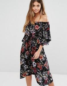 Платье миди со спущенными плечами и расклешенными рукавами Boohoo - Черный