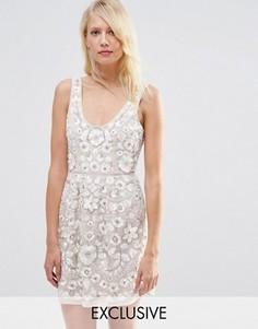 Платье для выпускного с вышивкой Needle & Thread - Бежевый