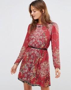 Красное платье с длинными рукавами, цветочным принтом и ремнем Lavand - Красный