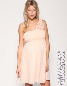 Платье на одно плечо эксклюзивно для ASOS Maternity - Бежевый
