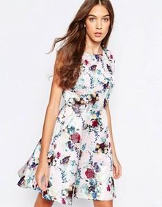 Приталенное платье с цветочным принтом Yumi - Розовый