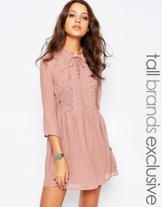 Короткое приталенное платье на шнуровке с оборками Glamorous Tall - Розовый