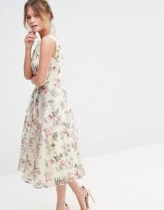 Атласное платье миди с цветочным принтом Chi Chi London Decadent - Мульти