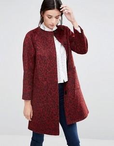 Красное расклешенное пальто без воротника со звериным принтом Helene Berman - Красный