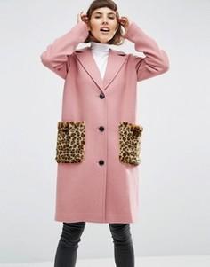 Пальто с добавлением шерсти с карманами из искусственного меха с леопардовым принтом ASOS - Розовый