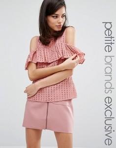 Блузка с открытыми плечами и оборками Fashion Union Petite Victor - Розовый