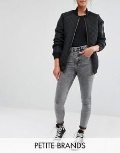 Мраморные джинсы с завышенной талией New Look Petite - Серый