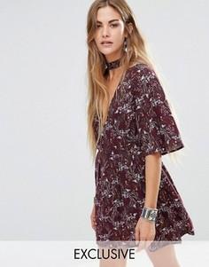 Платье с горловиной-чокером и цветочным принтом Young Bohemians - Красный
