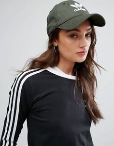 Кепка цвета хаки с логотипом adidas - Зеленый