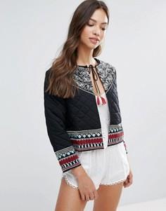 Пиджак с вышивкой и кисточками Glamorous - Черный