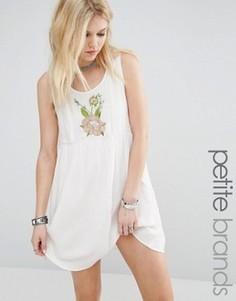 Платье без рукавов с цветочной вышивкой Glamorous Petite - Кремовый