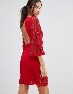 Цельнокройное платье с расклешенными рукавами и отделкой A Star Is Born - Красный