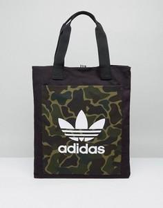 Сумка-шоппер с камуфляжным принтом adidas - Мульти