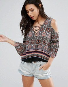 Girls On Film Paisley Print Cold Shoulder Top - Мульти