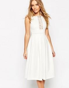 Бальное платье миди с кружевной отделкой ASOS - Кремовый