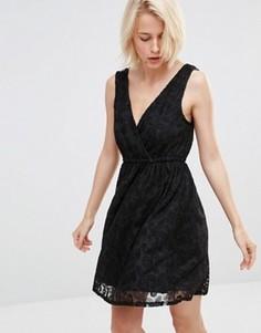Кружевное приталенное платье Lavand - Черный