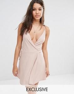 Короткое приталенное платье в рубчик с запахом Missguided Exclusive - Фиолетовый