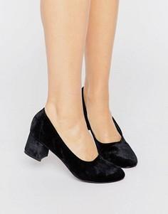 Бархатные туфли на блочном каблуке Boohoo - Черный