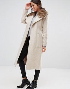 Пальто макси из искусственного меха с поясом New Look - Бежевый