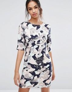 Камуфляжное платье Sugarhill Boutique - Розовый