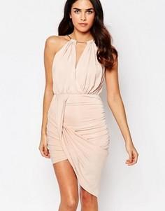 Асимметричное платье с цепочкой на горловине Girl In Mind Alexis - Бежевый