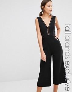 Комбинезон с юбкой-брюками и глубоким вырезом спереди TFNC Tall - Черный