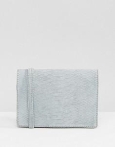 Замшевая сумка через плечо с отделкой под змеиную кожу ASOS - Синий