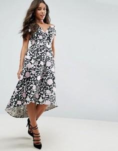 Платье миди для выпускного с открытыми плечами и цветочным принтом ASOS - Мульти