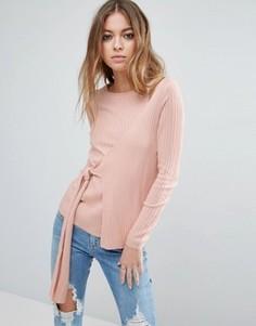 Джемпер в рубчик с запахом и завязкой ASOS - Розовый