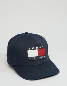 Темно-синяя бейсболка с большим флагом Tommy Hilfiger - Темно-синий