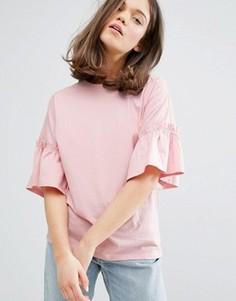 Трикотажный топ с оборкой Monki - Розовый