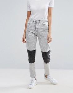 Мраморные джинсы в винтажном стиле с накладками на коленях Waven Elsa - Серый
