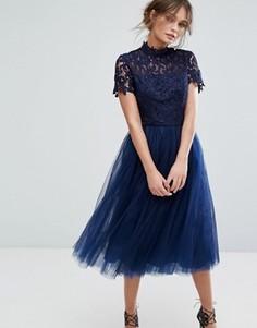 Платье миди с кружевным лифом и тюлевой юбкой Chi Chi London - Темно-синий
