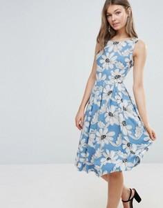 Приталенное платье с пестрым принтом Sugarhill Boutique - Синий