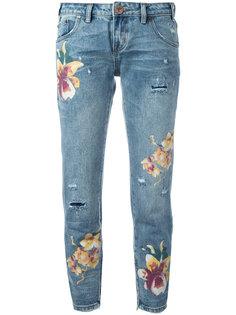 укороченные джинсы с принтом орхидей One Teaspoon