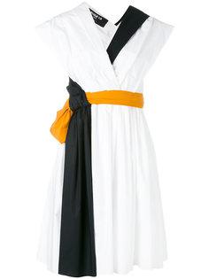 платье с контрастным поясом Paule Ka