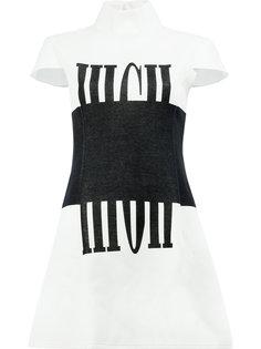 платье с короткими рукавами Anrealage