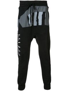 спортивные брюки с геометрическим принтом 11 By Boris Bidjan Saberi