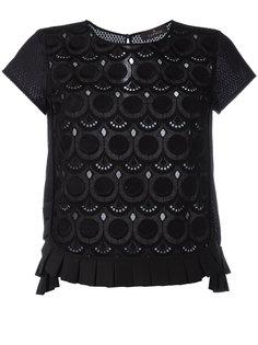 футболка с вышивкой Capucci