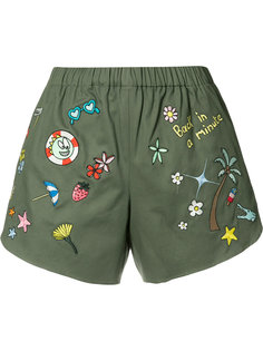 multi-patches shorts Mira Mikati
