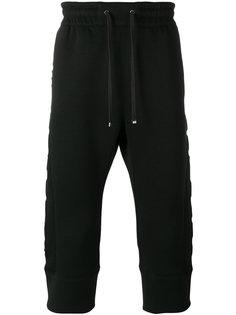укороченные брюки с заниженной проймой Helmut Lang
