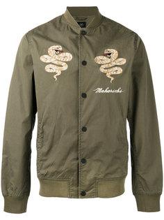 куртка-бомбер с вышитыми змеями Maharishi