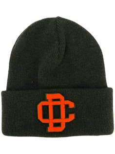 шапка с вышитым логотипом Dsquared2