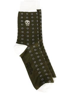носки с черепами Alexander McQueen